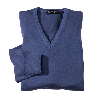 'Matura Long-Sleeve V-Neck Merino Wool Pullovers